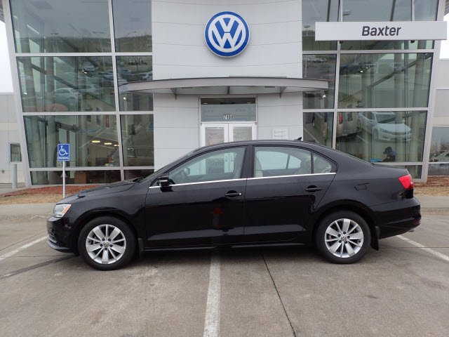 Certified Pre Owned 2017 Volkswagen Jetta Sedan 2 0l Tdi Se W Connectivity