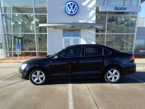 Certified Pre-Owned 2012 Volkswagen Jetta Sedan TDI w/Premium